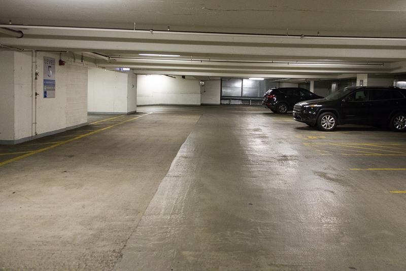 224 N Clark St Parking Parkwhiz-9560