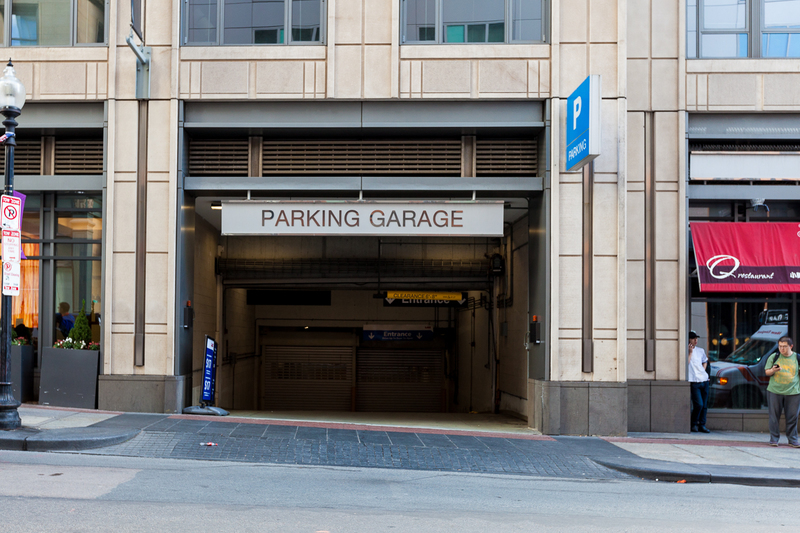 660 Washington St Parking
