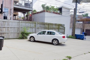 Wrigleyville House Parking